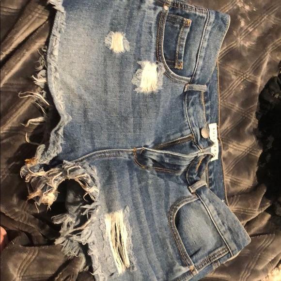 Bullhead Pants - Bullhead High rise jean shorts!
